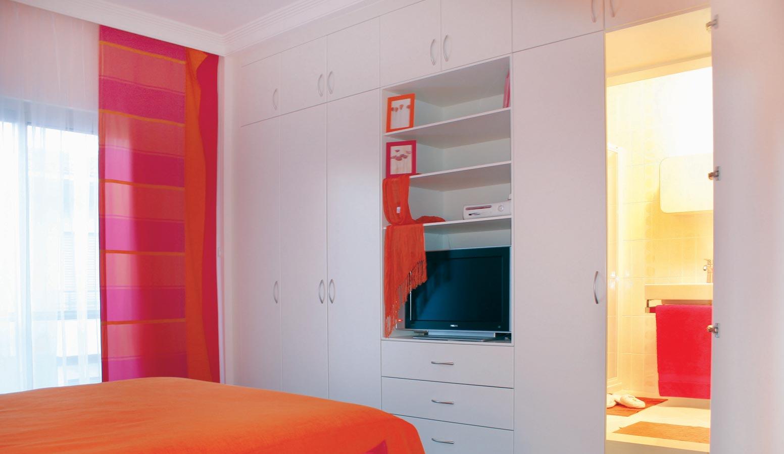 On İki Evler yatak odası
