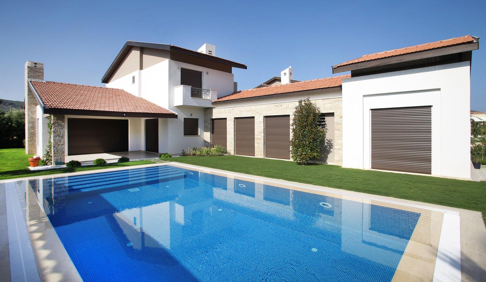 Trio Villaları havuz